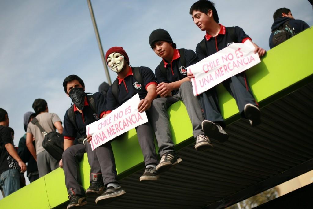 Marcha Estudiantil en Santiago de Chile, convocado por la CONFECh, ACES, CONES.