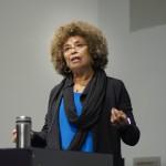 """Реч на Анджела Дейвис пред протестния Поход на жените – """"Историята на тази страна не може да бъде изтрита"""""""