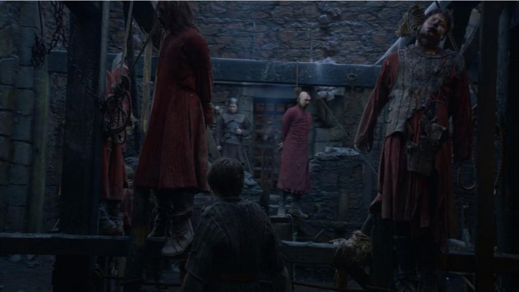 """Едно дете (Аря Старк) сред много обесени. Възпитателните методи не са това, което бяха... """"Игра на тронове"""", епизод 2, сезон 5, собственост на HBO."""