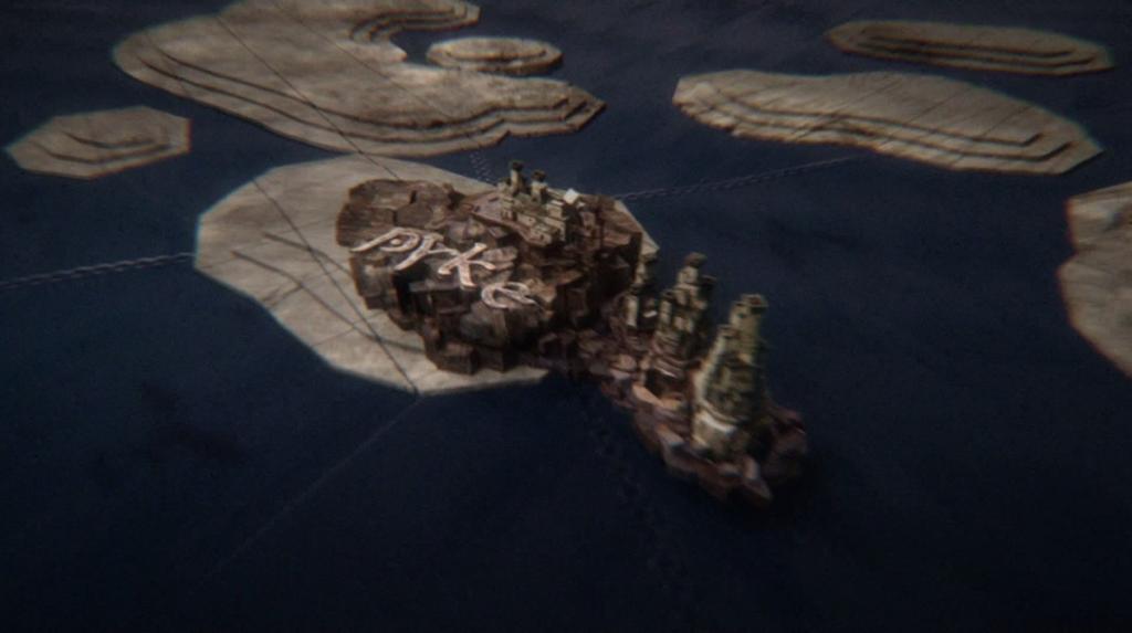 """""""Шапката"""" на всеки епизод внушава силно, че определящата сила в сюжета е някаква геополитика – камерата преминава над карти и замъци, а цялостната стилистика е на машина. Но всяка машина има някой, стоящ зад нея, ако трябва да продължим внушението... """"Игра на тронове"""", собственост на HBO."""