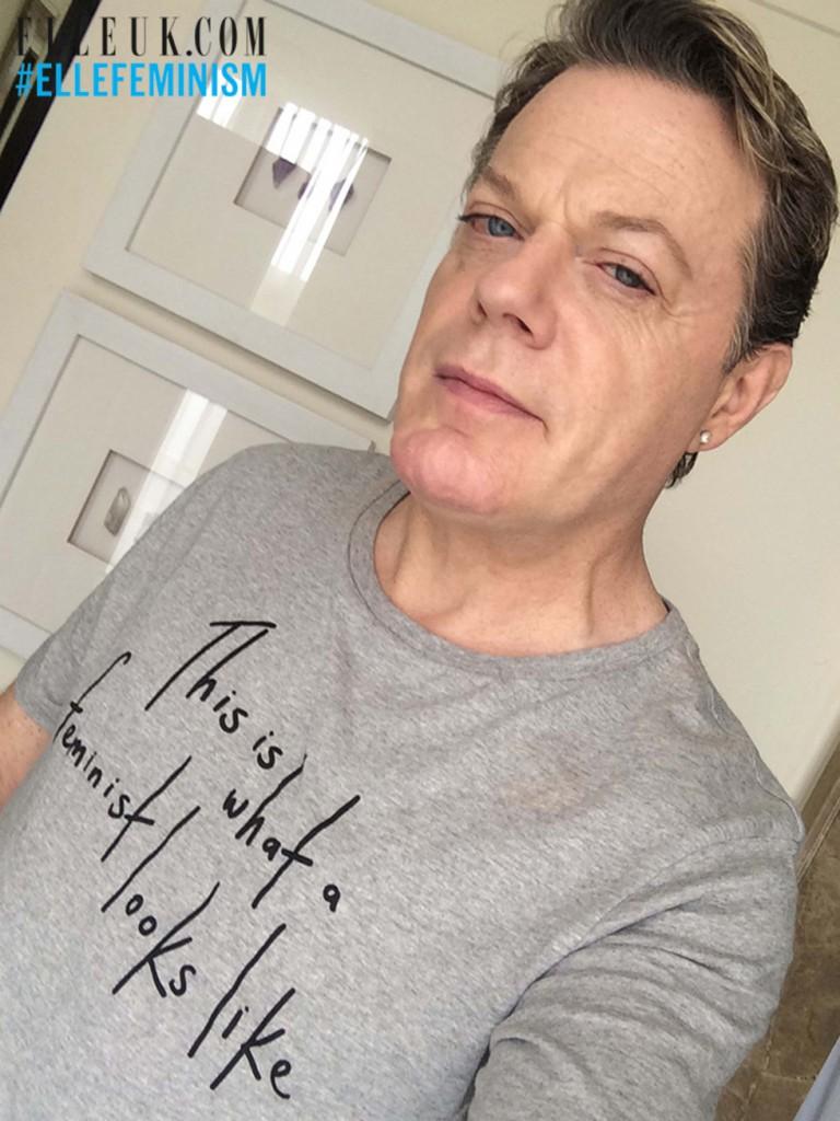 Еди Изард с тениската на Elle