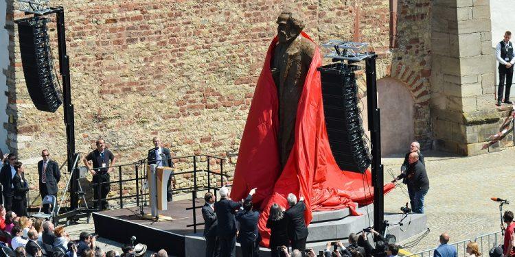 karl-marx-statue