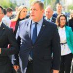 Граждани питат: съвместима ли е дейността на ВМРО с Конституцията?